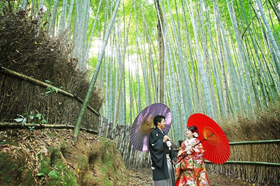 京都嵐山竹林の小径