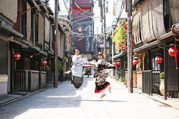 福井を初め海外からも足を運ばれる街京都でのフォトウェディング