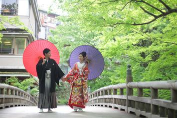 結婚式当日は洋装で 福井県境思い出は和装ロケでしっかりと残そう